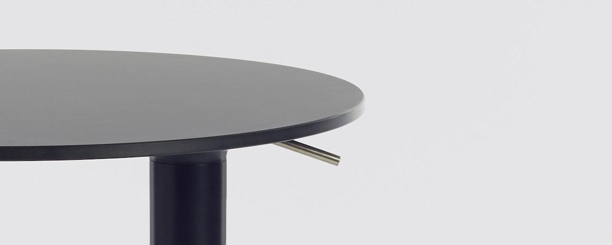 Yo Table