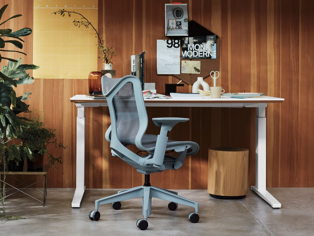 Cosm Chair with Renew Desk