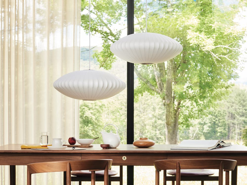 Edel Grand Table with Comma Armchairs
