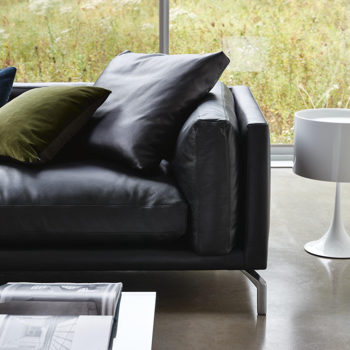 Como 92 Sofa Detail