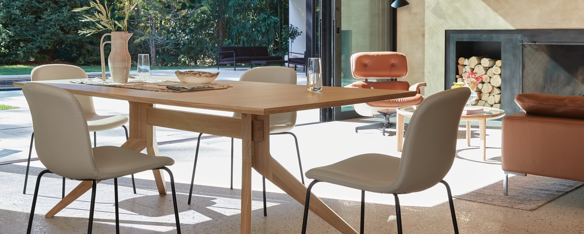 Cross Fixed Table with Bacco Chairs