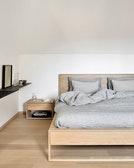 Nordic II Bed