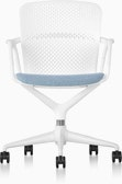 White and blue Keyn Chair with five-star base, viewed from the front.