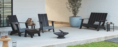 Outdoor Lounge Chairs + Ottomans