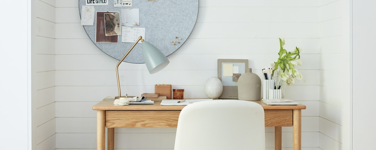 Grasshopper Table Lamp
