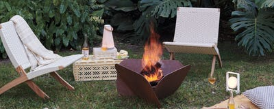 Cuba Outdoor Lounge Chair with Plodes Petal Fire pit